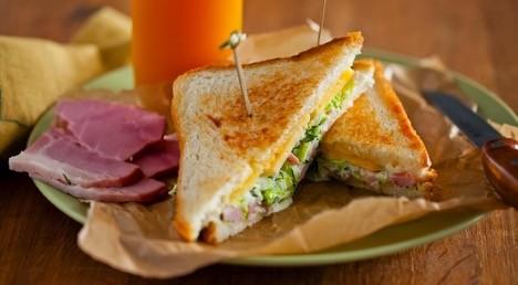 Горячие сэндвичи «Шуде» в мультиварке